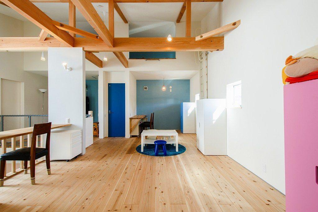 木の家のリビング