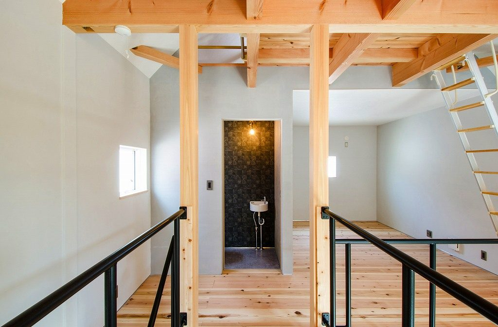 オープン階段と廊下