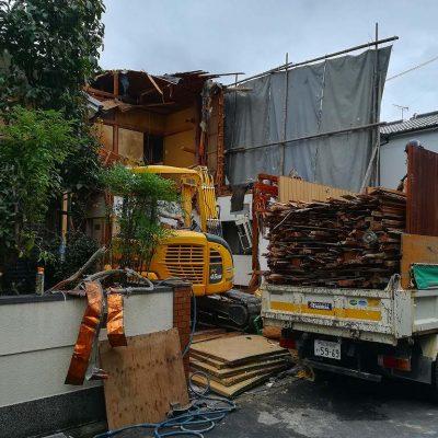 枚方市長尾台四丁目の家の解体工事