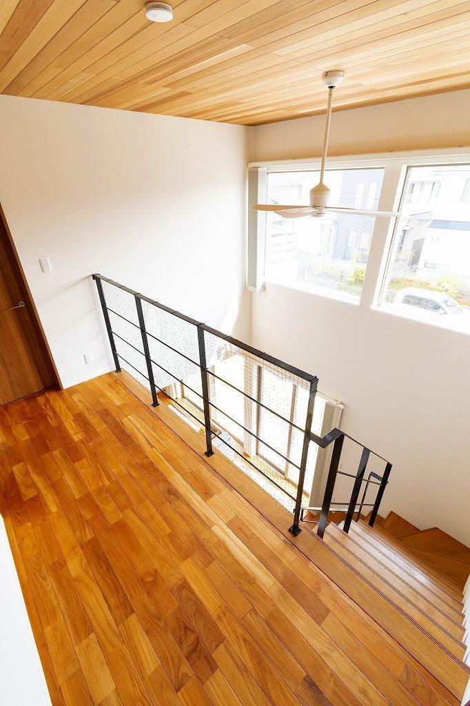 2階吹抜け廊下