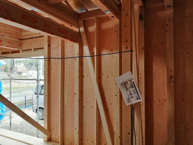木造住宅の筋交い